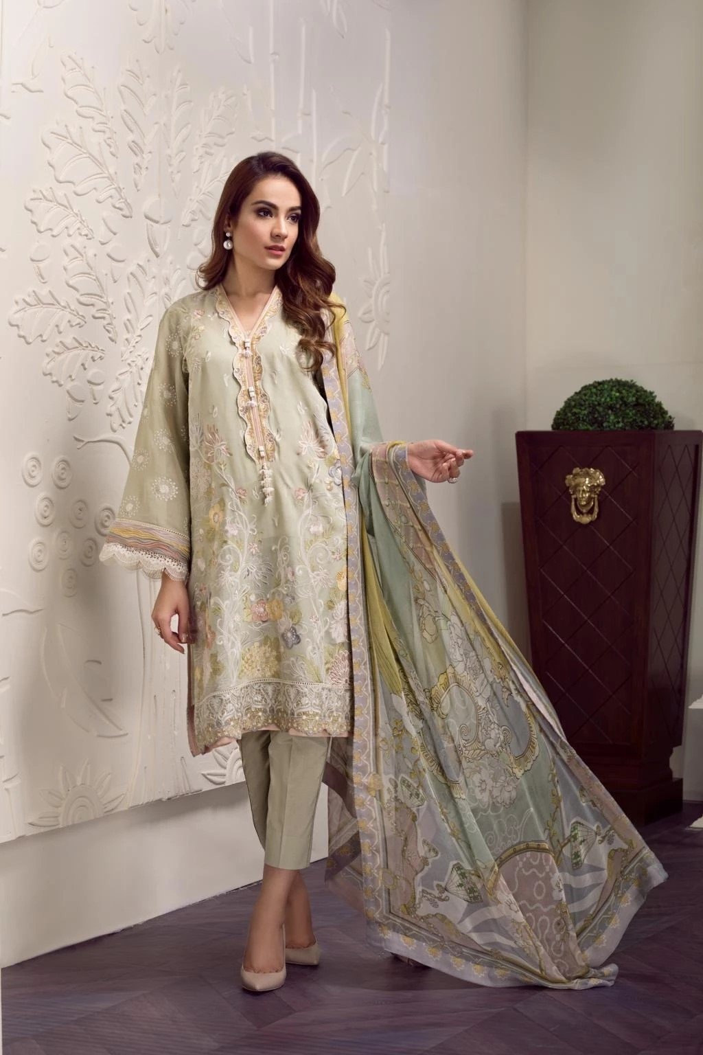 Baroque Swiss Voile Vol-2 2019 suit KYRA - Unstitched Salwar Kameez