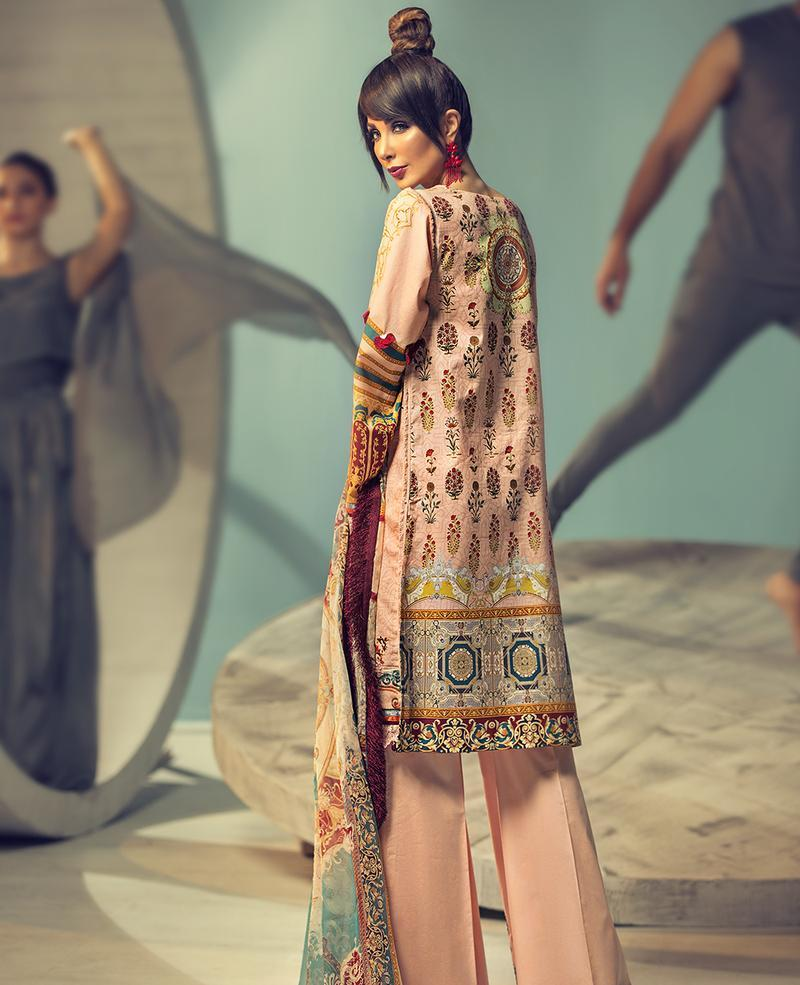 Ittehad Signature Series Summer 2019 PINK MIST - Embroidered/Digital Lawn Kameez, dyed trouser and printed chiffon dupatta