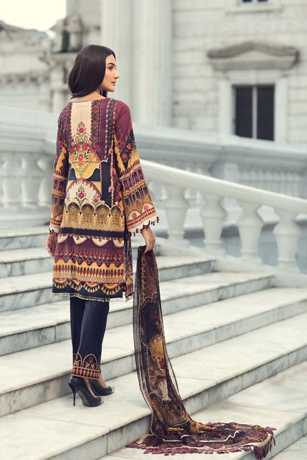 Jazmin IRIS Summer Lawn suit Fantasià - Embroidered/Printed Black Lawn Kameez with digital chiffon dupatta