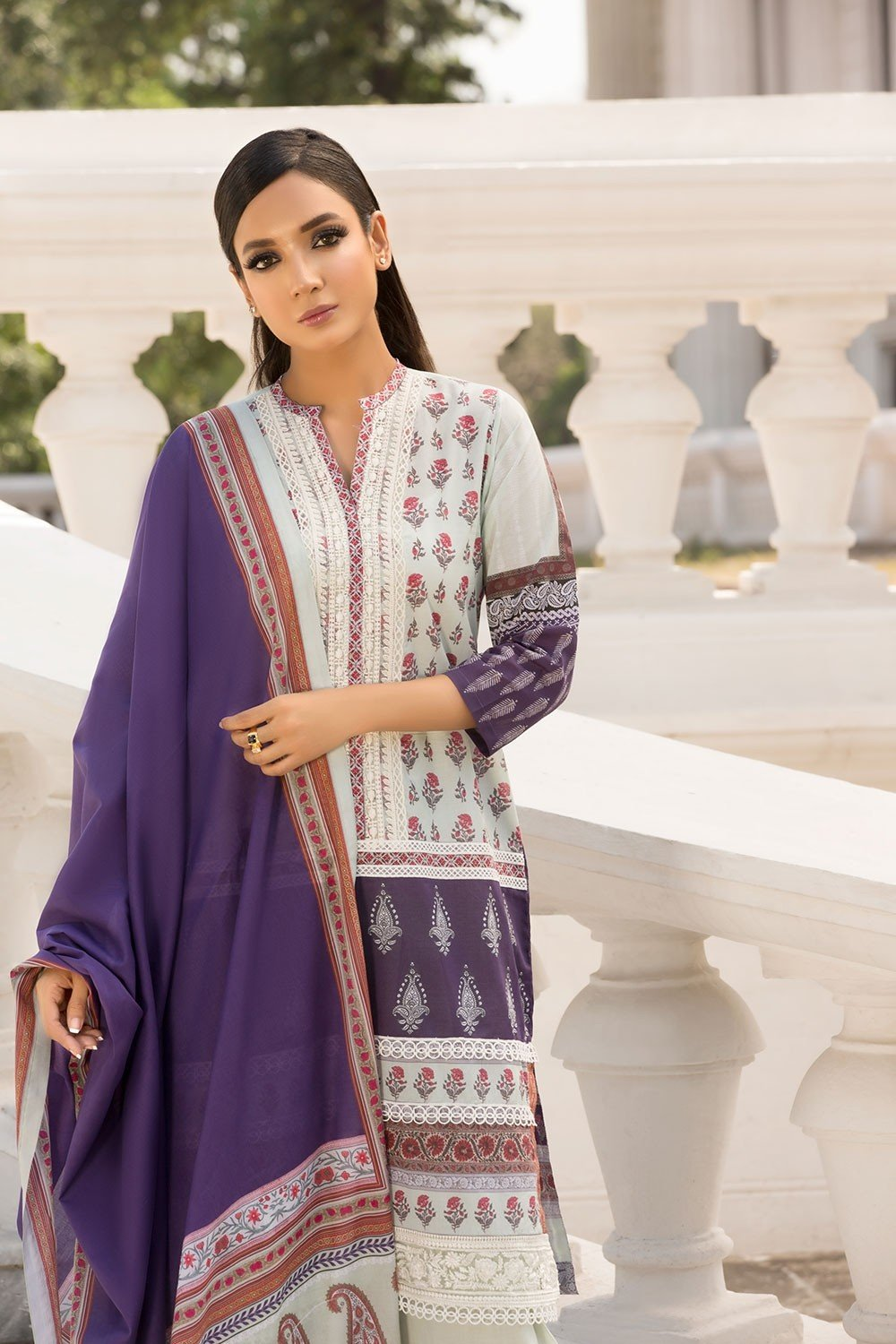 0ad38a2896 Sobia Nazir Vital Lawn suit VT19-10A – Miilady