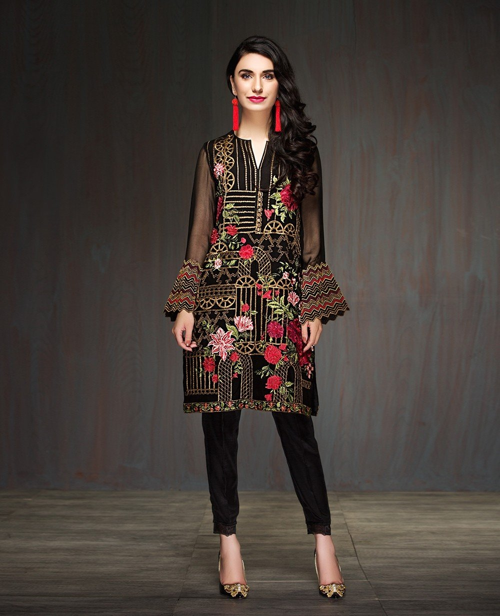 Xenia Formals Pitch Black Part Kurta with embroidered Chiffon Dupatta