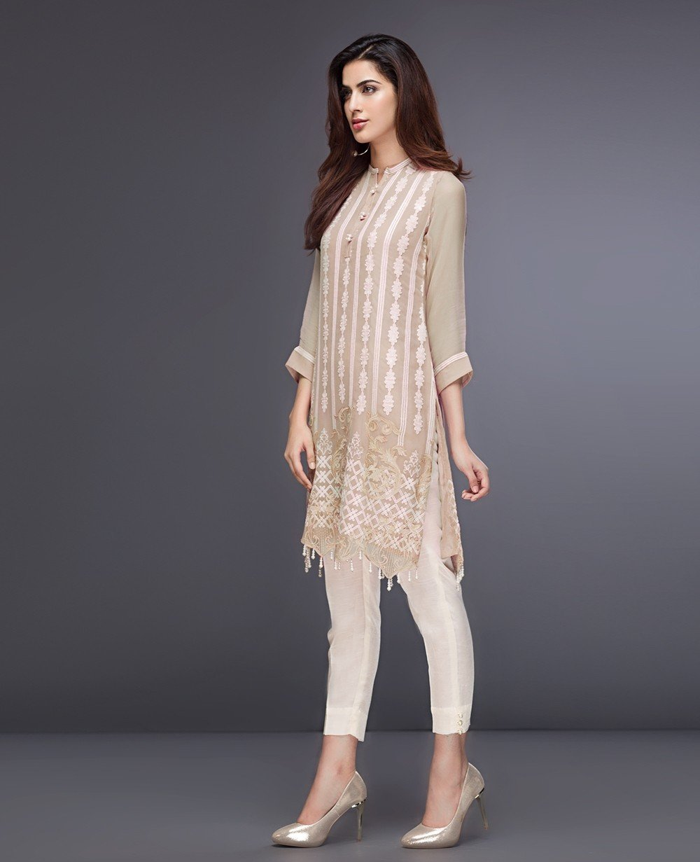 Xenia Formals Creppe Pink B - Pink Chiffon Embroidered Party Kameez with embroidered dupatta
