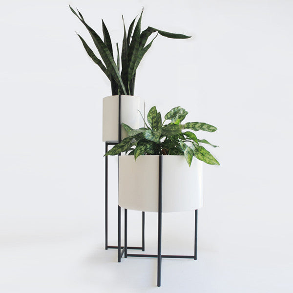 Oliver Planters