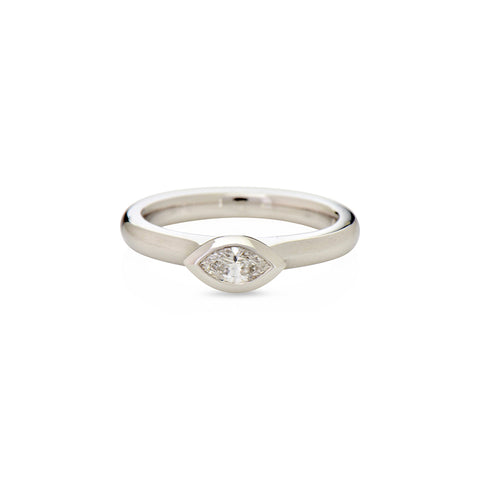 Modern collection, 18k White gold Marquise cut Diamond engagement ring