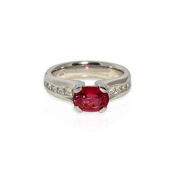 Modern collection 18k Red Spinel & Princess cut Diamond ring