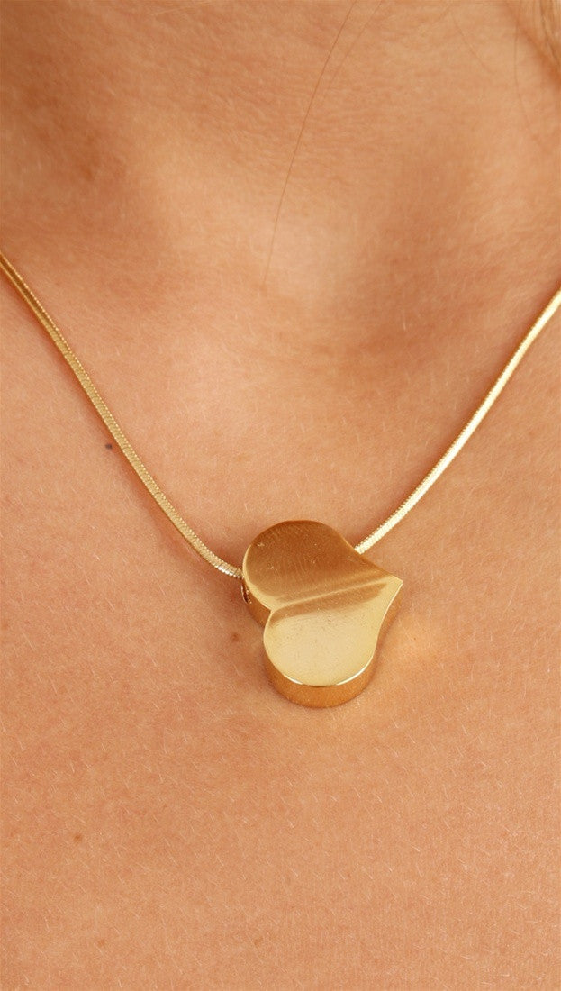 Apparel Addiction Solid Heart Gold Necklace