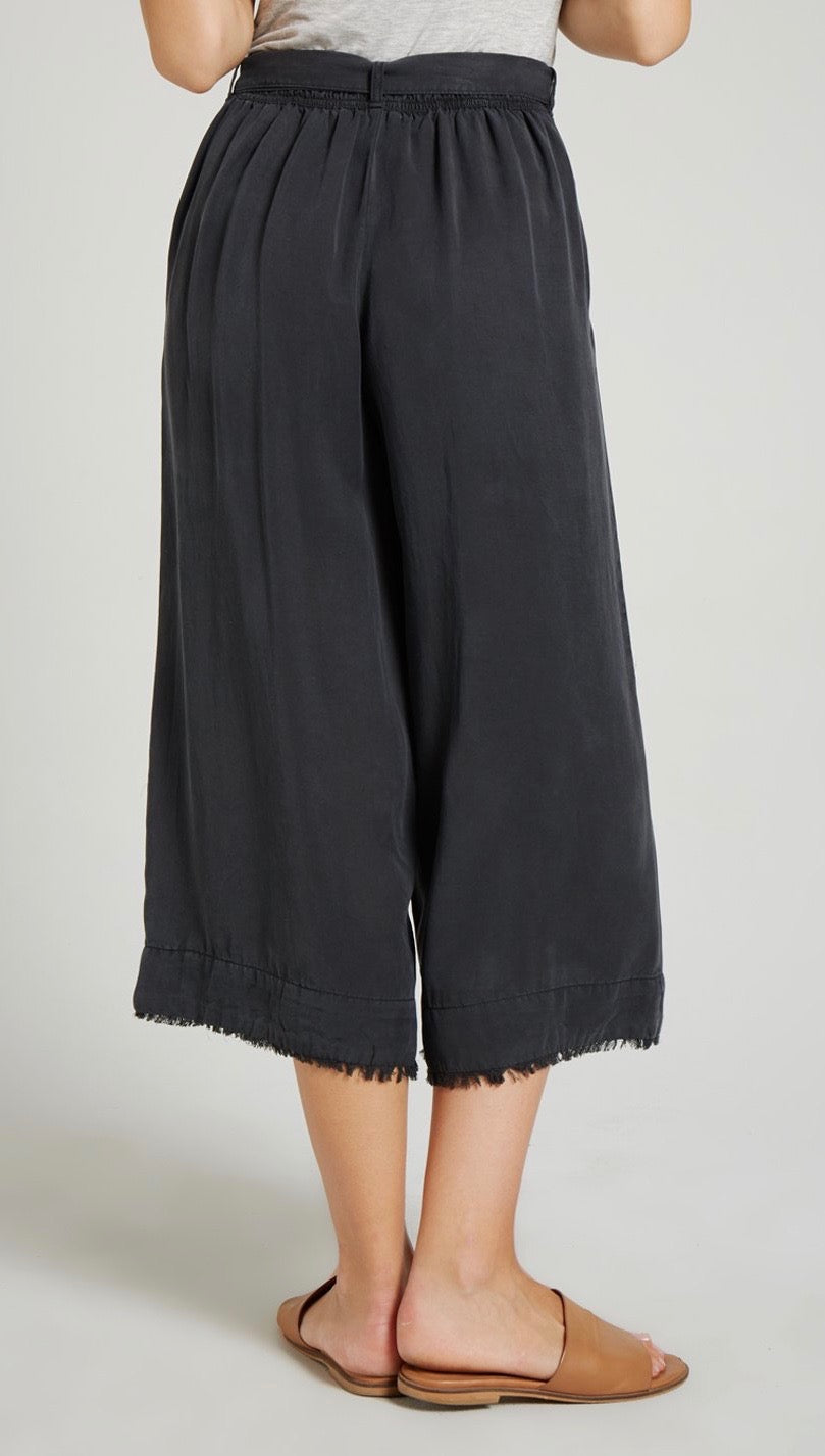 Bella Dahl Belted High Waist Frayed Crop Pant Night Shade I ShopAA