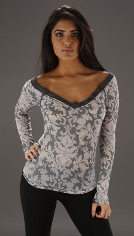 So Nikki Flower Burnout Tee in Gray