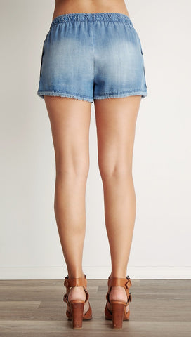 Bella Dahl Side Button Shorts Medium Ombre Denim Wash I ShopAA