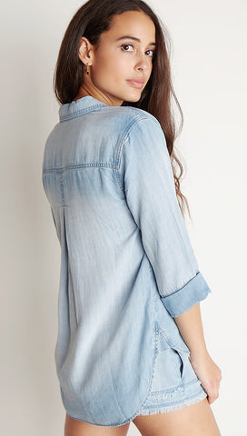 Bella Dahl Shirt Tail Button Down Light Mist Wash Denim Blue I ShopAA