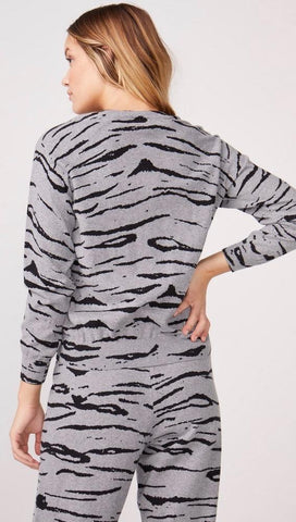 MONROW Cashmere Tiger Vintage Raglan Sweater Heather Grey | ShopAA