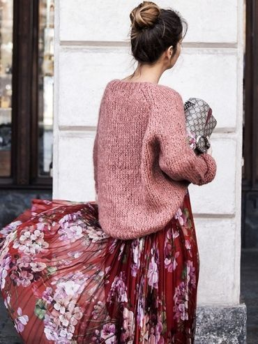 pleated floral maxi skirt jumper leather clutch street style autumn