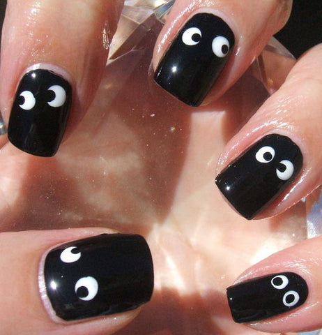 googly eyes simple halloween manicure nails at home