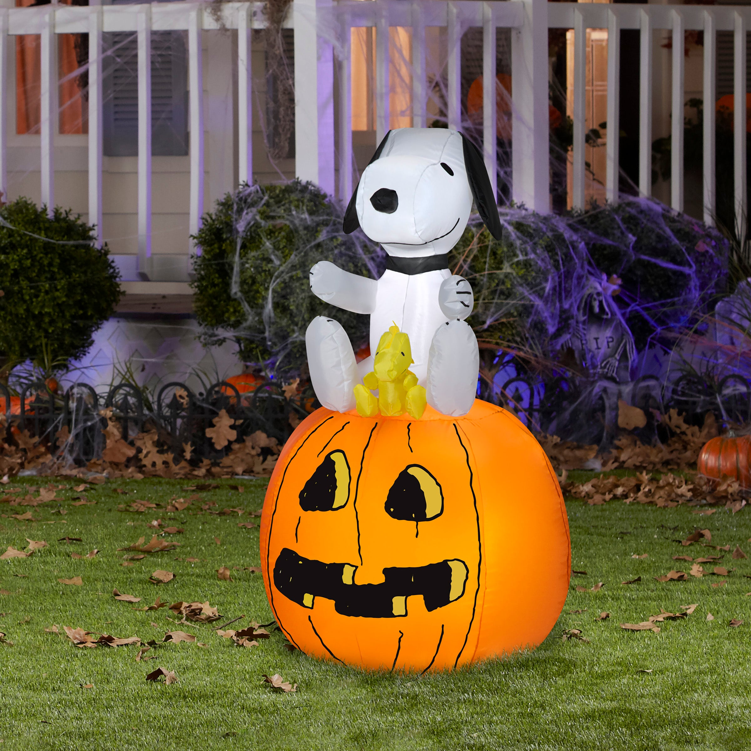 3.5' Airblown Snoopy and Woodstock on Pumpkin Peanuts Halloween Inflatable