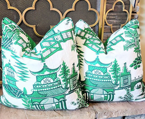 schumacher nanjing pillow // blue and white // chinoiserie pillows