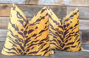 tiger print pillow // velvet pillow // le tigre look for less // tiger decor