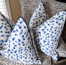 Load image into Gallery viewer, rack leopard // navy piping // leopard pillow // interior decor // chinoiserie decor // mira