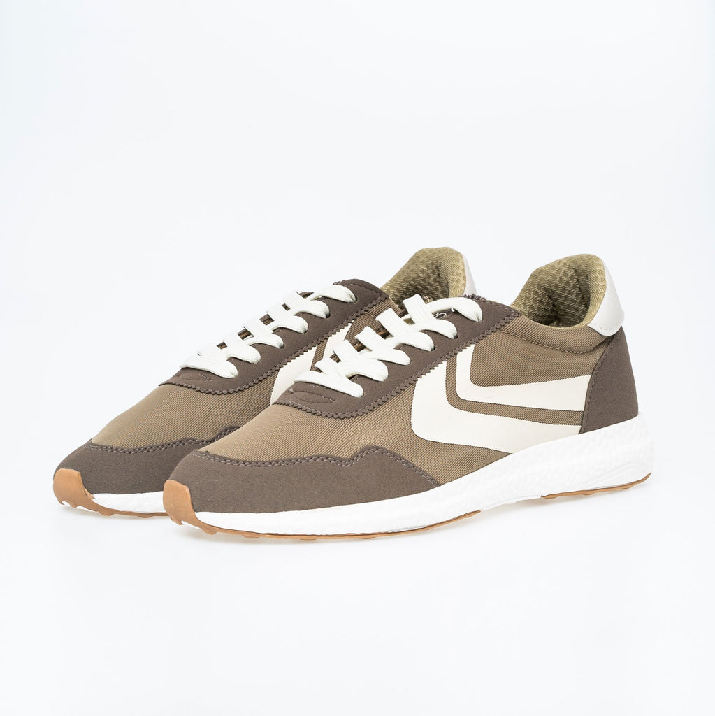 Balmoral Trainers 7 / Timber Wolf Footwear