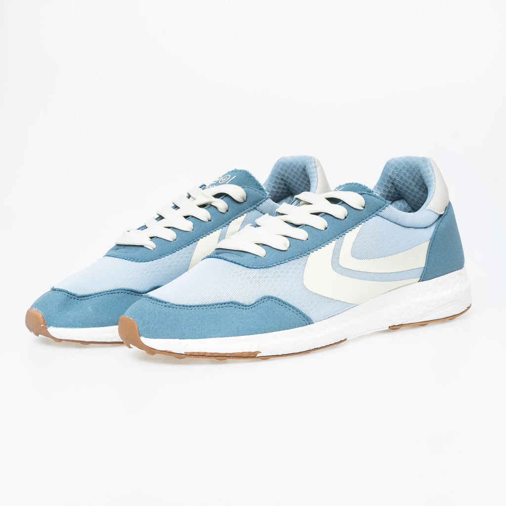 Balmoral Trainers 7 / Ashley Blue Footwear