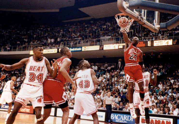 Michael Jordan Dunk - NBA 97