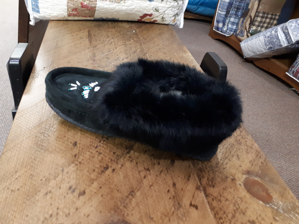 Laurentian Chief-Black Moccasin w/ Fur & Beading, Rubber Bottom #12653L