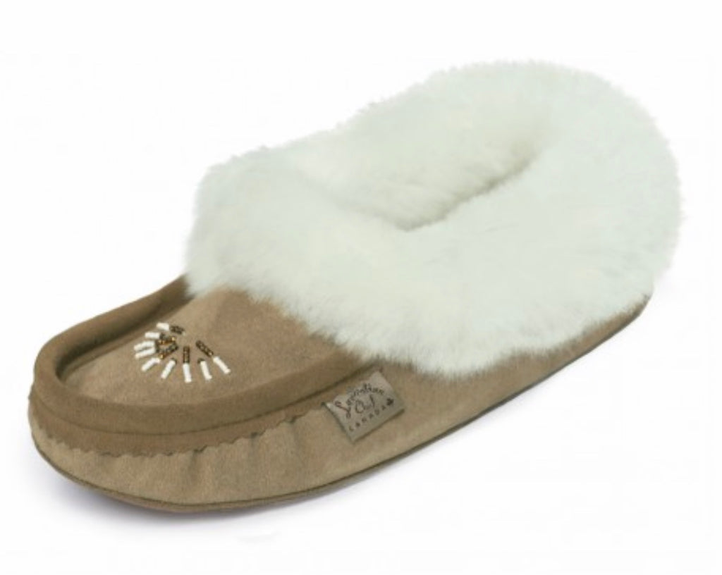 Laurentian Chief- Moka/Dark Tan. Moccasin w/ Fur & Beading #9113L