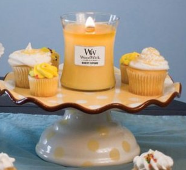 Woodwick- Crackling Candle - Bakery Cupcake