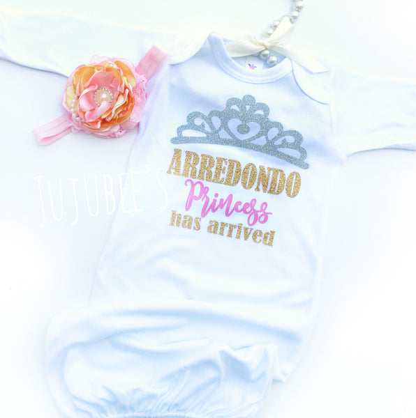 Personalized Baby Gown, Newborn gift, Baby Shower Gift, Shower Gift, Princess Baby Gown, Baby Gown, Crown Baby Gown, Baby Gift, Baby