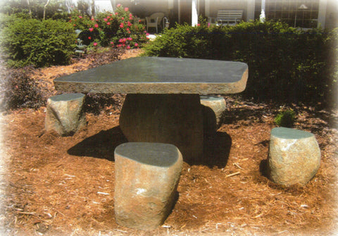 Rolling Stone Table with 4 Stools