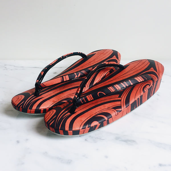 Vintage Red & Black Swirl Zori Slippers