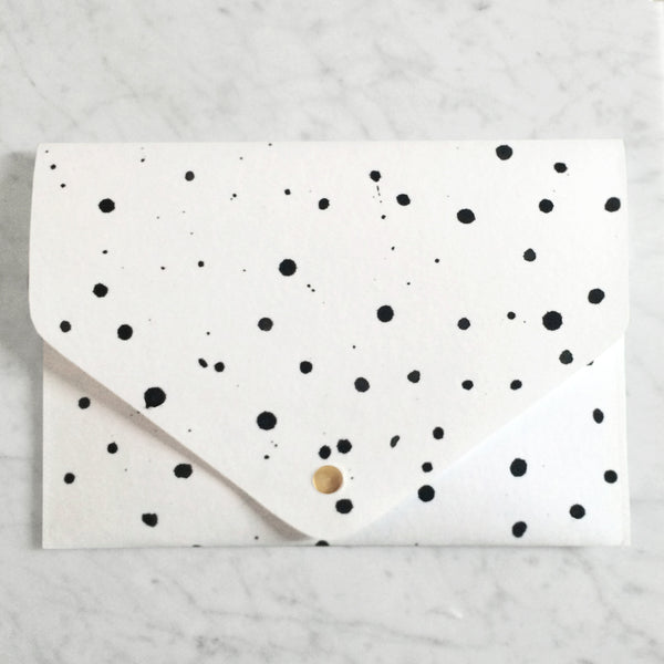 Black Dots Clutch | KAMI.