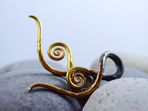 Carved Gold Green Pearl | Squids | 6G - 0G