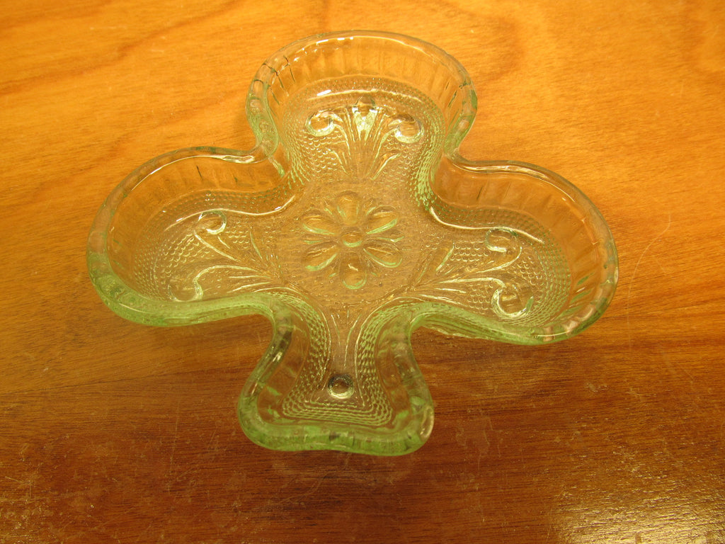 DEPRESSION INDIANA GLASS CLUB SHAPED MINT, NUT OR CANDY DISH PAIR GREEN COLOR