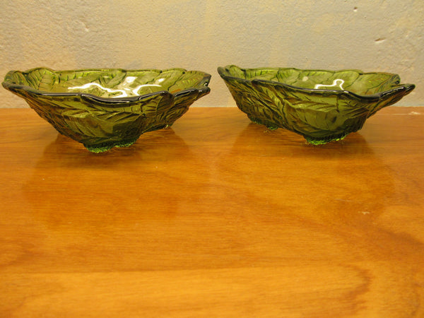 A SET OF VINTAGE GREEN FENTON GLASS BERRY BOWLS - Andres James Vintage Boutique