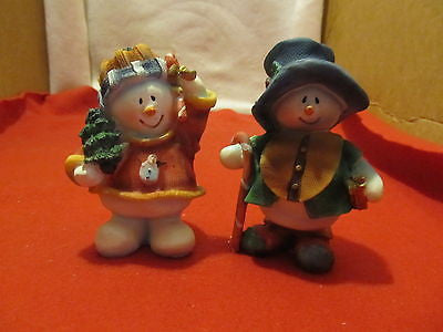 ALABASTRITE COUNTRY STYLE SNOW COUPLE FIGURINES - Andres James Vintage Boutique