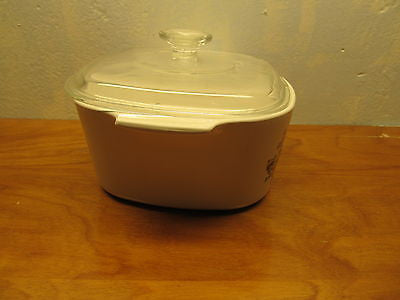 VINTAGE CORNING WARE BAKING DISH WITH LID - Andres James Vintage Boutique - 2