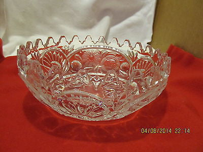 VINTAGE LEAD CRYSTAL BOWL WITH FLUTED EDGES AND FLORAL DESIGN 24 POINTS ON TOP - Andres James Vintage Boutique - 1