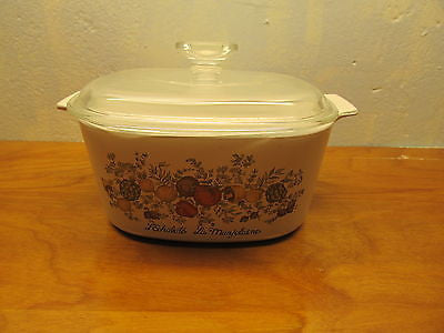 VINTAGE CORNING WARE BAKING DISH WITH LID - Andres James Vintage Boutique - 1