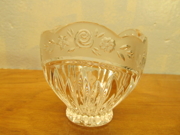 VINTAGE FENTON CRYSTAL DISH WITH ROSE PATTERN - Andres James Vintage Boutique - 1