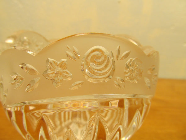 VINTAGE FENTON CRYSTAL DISH WITH ROSE PATTERN - Andres James Vintage Boutique - 3