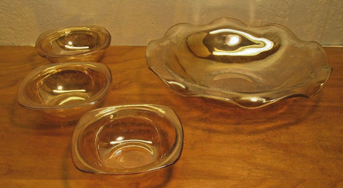 NICE FENTON FRUIT OR SALAD SERVING BOWL WITH 3 INDIVIDUAL BOWLS