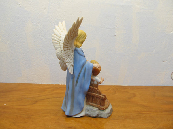 HOMCO GUARDING ANGEL FIGURINE MADE IN SRI LANKA - Andres James Vintage Boutique