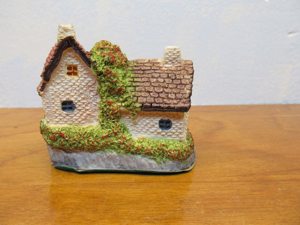 SMALL DECORATIVE COTTAGES - Andres James Vintage Boutique - 2