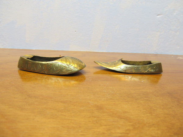 VINTAGE BRASS JUTTI ASHTRAYS MINIATURE SET - Andres James Vintage Boutique - 1