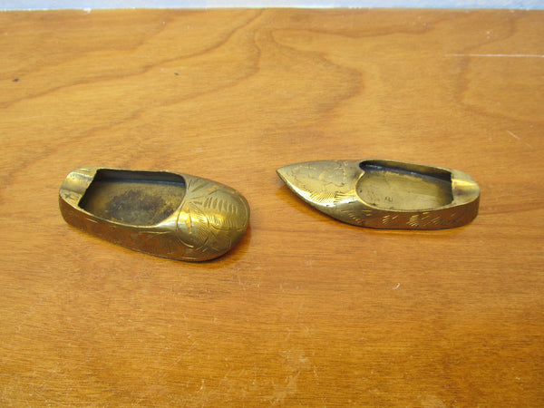 VINTAGE BRASS JUTTI ASHTRAYS MINIATURE SET - Andres James Vintage Boutique - 2