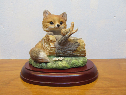 1986 HOMCO BABY FOX FIGURINE ON WOODEN BASE - Andres James Vintage Boutique