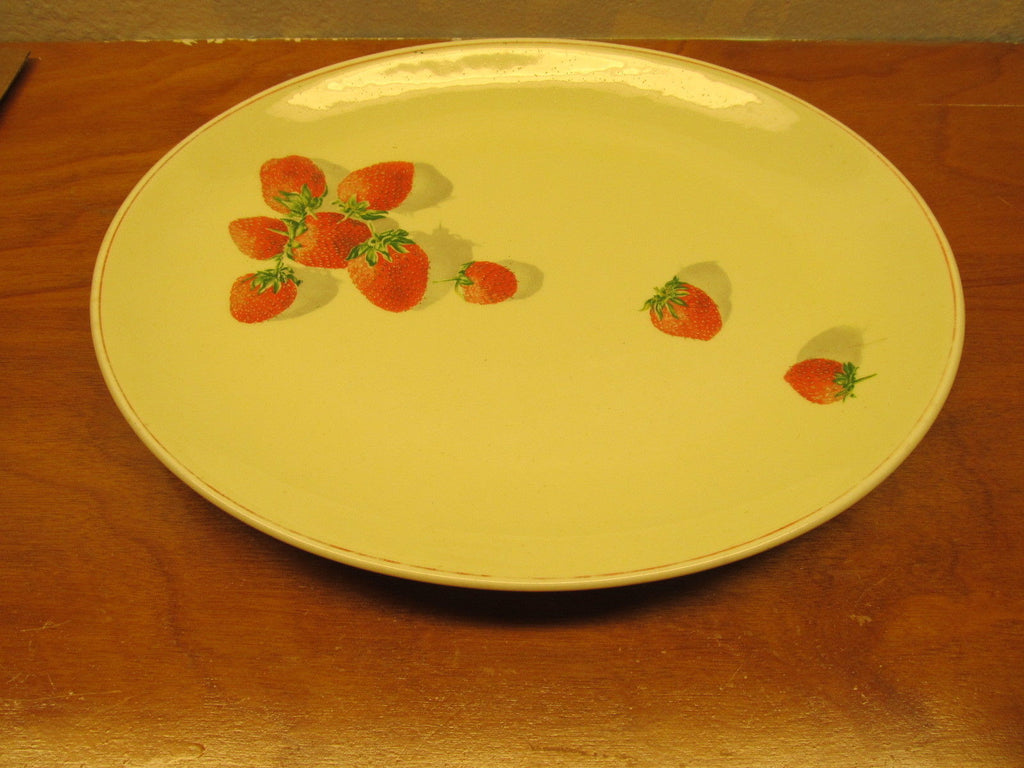 yellow strawberrie serving dish # 191-A Cavit and Shaw division of W.S. George - Andres James Vintage Boutique - 1