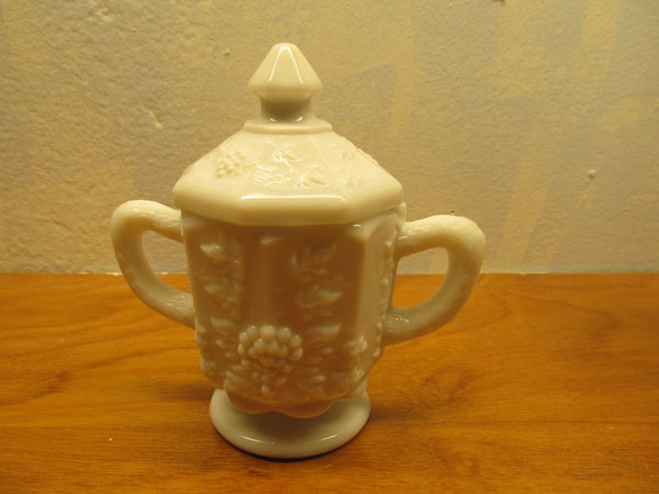 VINTAGE SET OF WESTMORELAND SUGAR AND CREAMER WITH GRAPE PANEL PATTERN - Andres James Vintage Boutique - 1