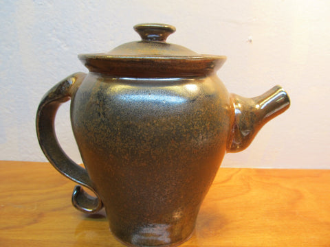 BEAUTIFUL POTTERY TEA POT WITH LID - Andres James Vintage Boutique