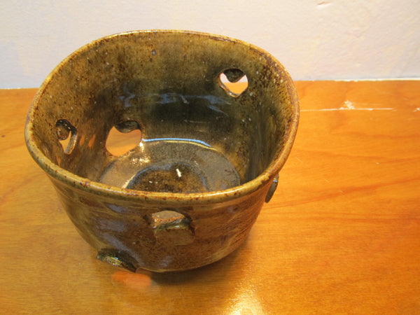 BEAUTIFUL POTTERY PIECE - Andres James Vintage Boutique